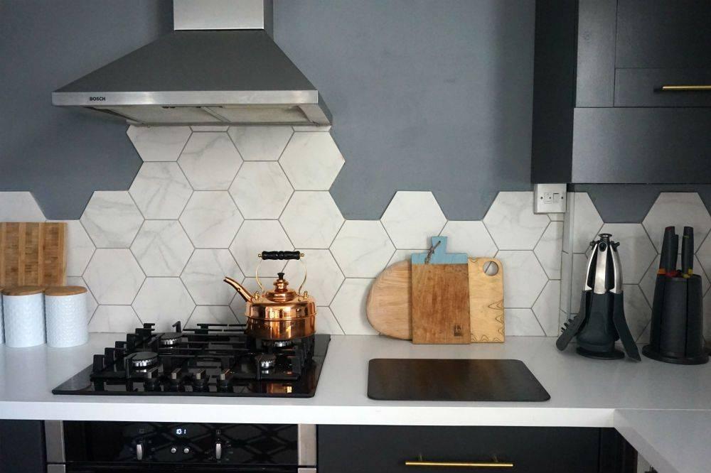 Thay đổi không gian bếp với gạch bông lục giác