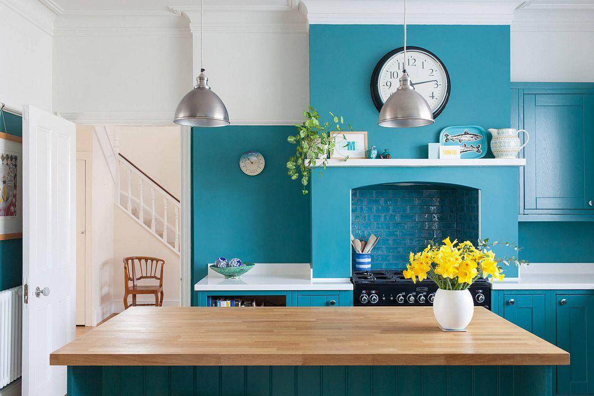 Màu xanh dương giúp phòng bếp của bạn có không gian tươi sáng hơn