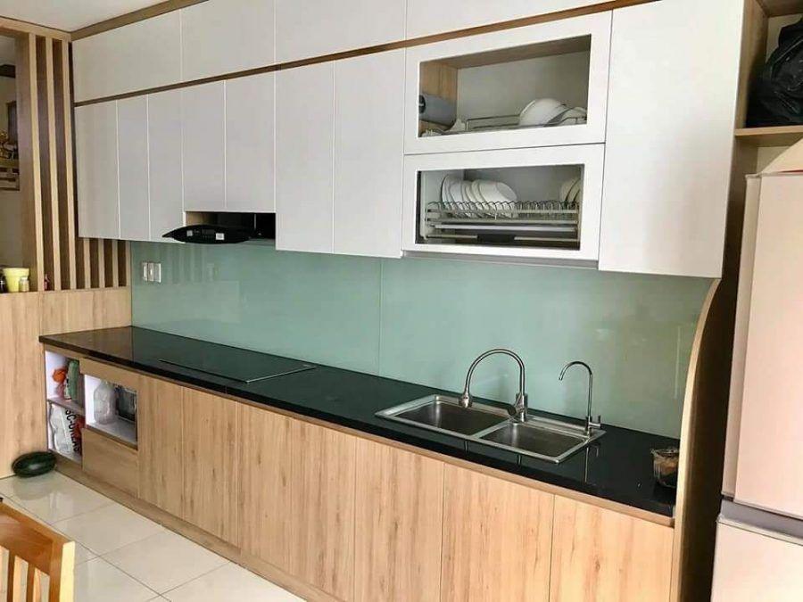 Tủ bếp lõi gỗ MDF phù hợp nhất với chất liệu phủ bề mặt nào?