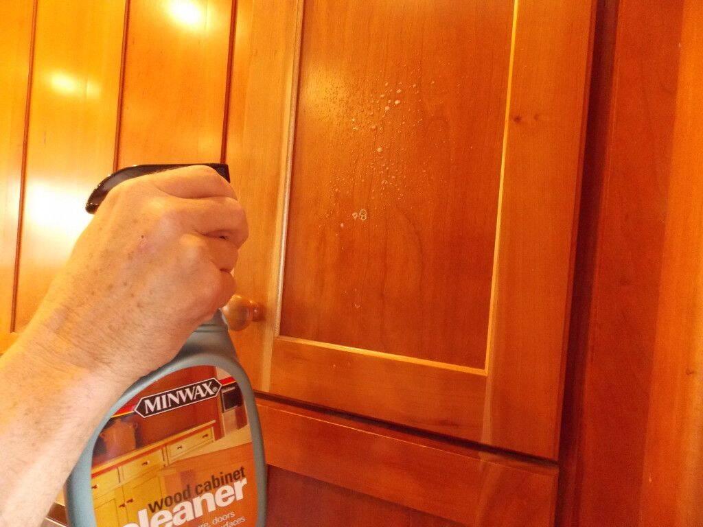 Tổng hợp các cách vệ sinh cho từng loại bề mặt vật liệu của tủ bếp đẹp