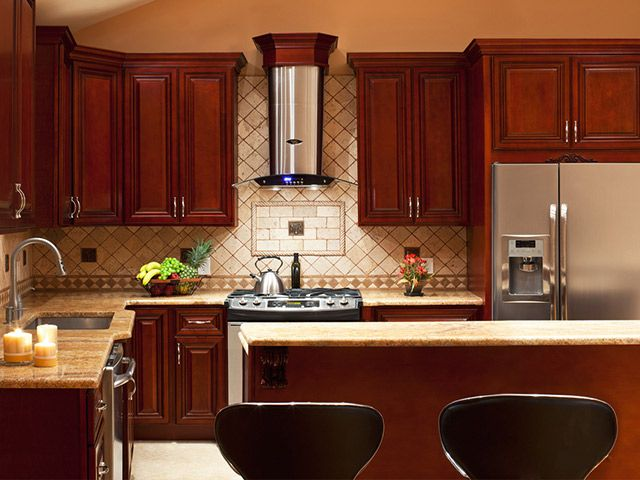 Tủ bếp gỗ làm bằng Căm Xe có thực sự tốt?