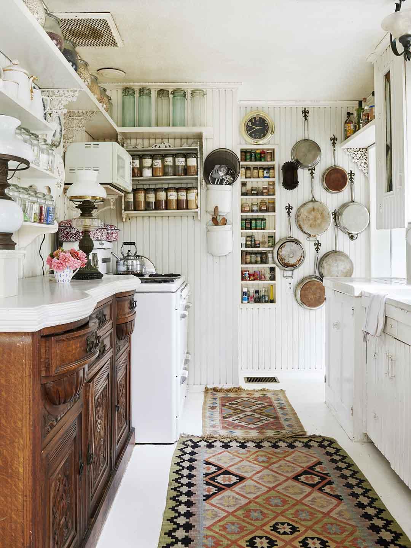 Làm thế nào để thiết kế phòng bếp nhỏ trông rộng lớn hơn?