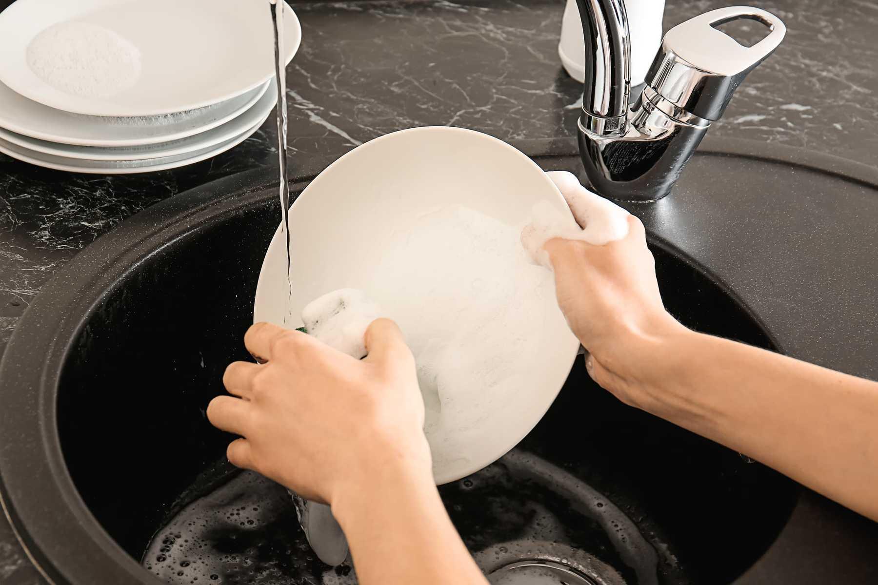 Mẹo rửa chén bát siêu nhanh - siêu sạch