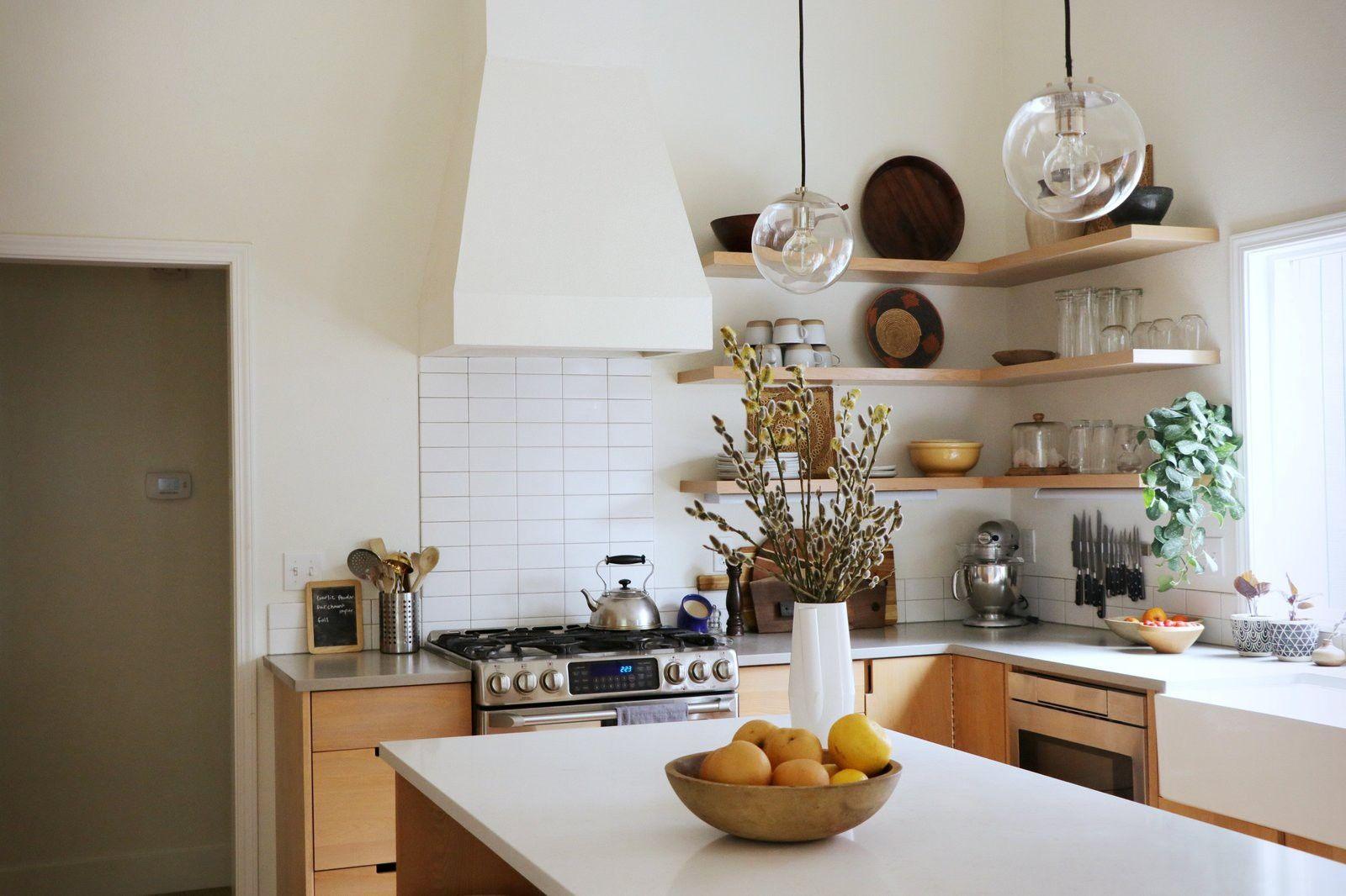 Cách trang trí tường phòng bếp khi bị mốc