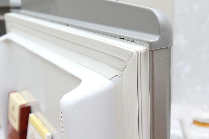 Cách khắc phục tủ lạnh bị chảy xệ