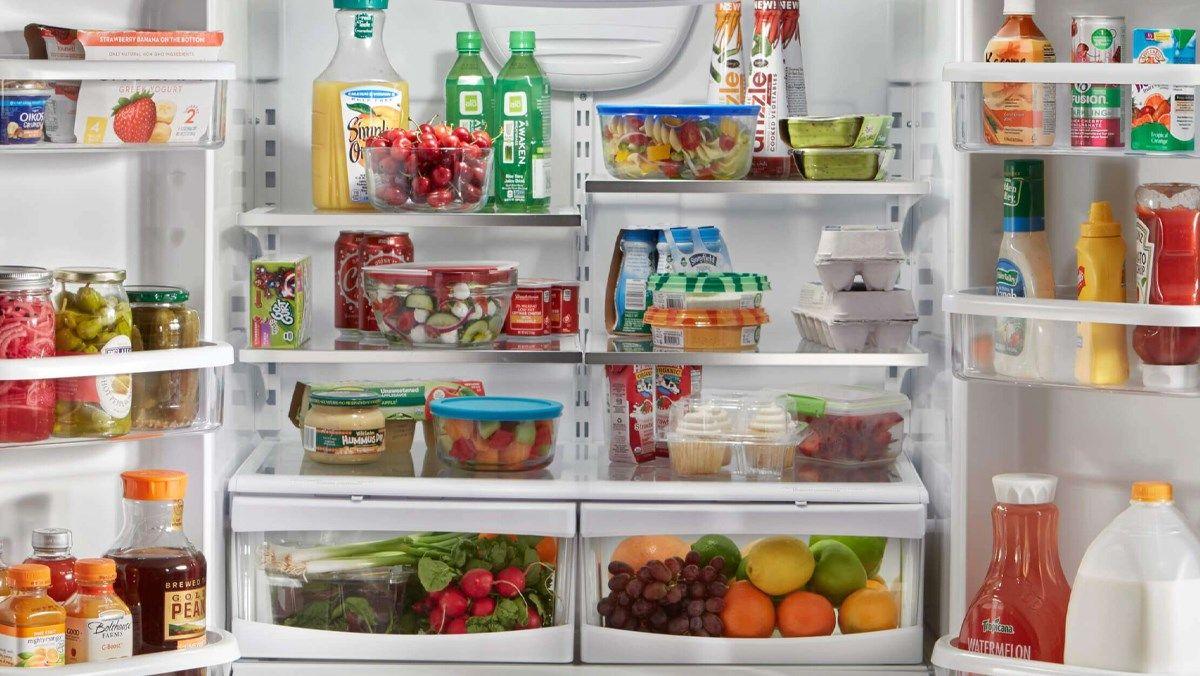Lưu ý không nên đặt thực phẩm nóng vào tủ lạnh