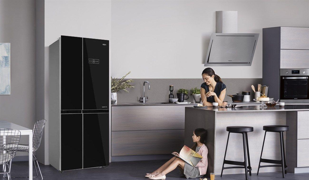 Có cần mua chân đế cho tủ lạnh không?