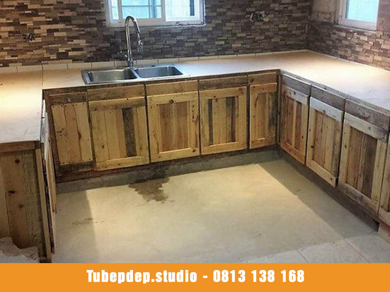 Cơ sở thi công tủ bếp bằng gỗ Pallet tại Tân Phú